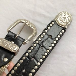 Accessories - G Silver and Leather Concha belt